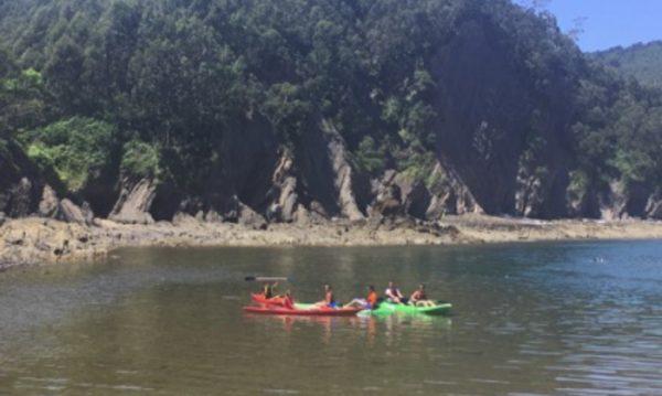 salida en kayak desde armintza con bigui ruta en kayak